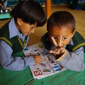 Tibeterschule-Ladakh-Kinder-Lernen