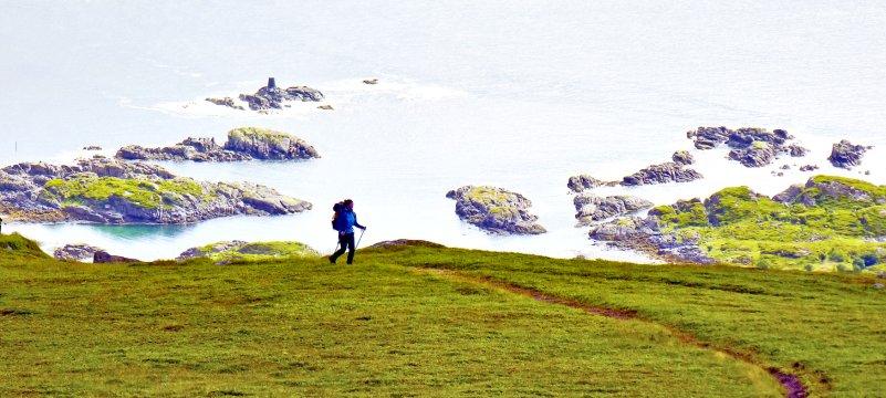 Wandern entlang einsamer Küsten
