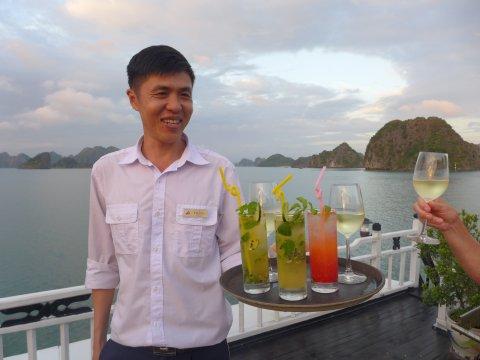Sundowner auf der Dschunke in der Halong Bucht