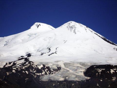 Der Doppelgipfel des Elbrus_2