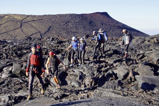 Aufstieg zum Tolbatschik entlang am Lavafluss