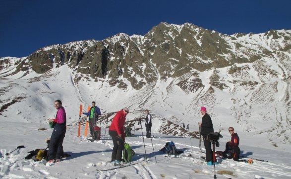 Österreich-Alpen-Pause-Skitour-Vorbereitung-Abfahrt
