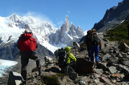 Cerro Torre mit Wanderern