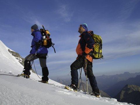 Bergsteiger im Aufstieg 2
