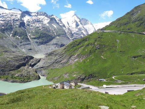 Österreich-Alpen-Glocknerhaus