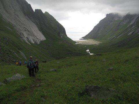 Wanderung am Kirkefjord auf Moskenesoya