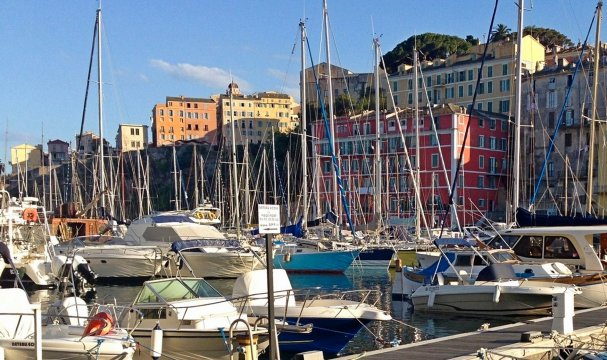 Korsika - Hafen von Bastia