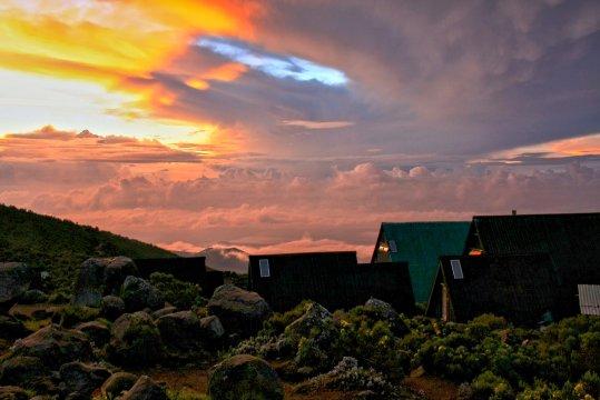Morgenstimmung an den Horombohuetten Kilimanjaro