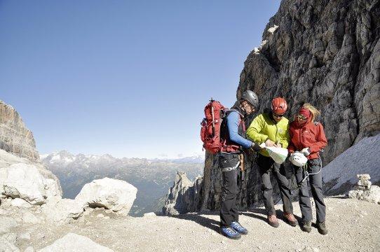 Klettersteigset Unterschiedlich Lang : Klettersteige im felsenparadies brenta trekking klettersteig