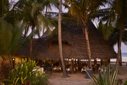 Kenia-Pinewood-Beach-Bar-and-Restaurant