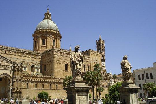 Blick auf den Dom von Palermo