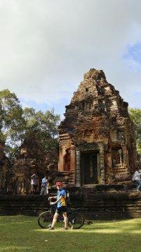 Am Tempel Preah Ko