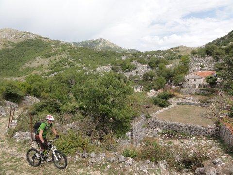 Montenegro-MTB_Durch Bergdörfer