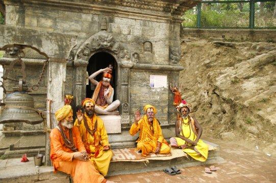 Fuenf einheimische Maenner Nepal