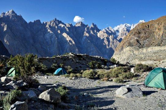 Pakistan - Lager am Batura-Gletscher