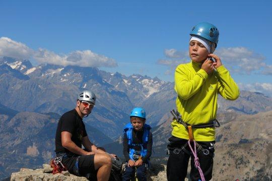 Durancetal-Kletterende-am-Gipfel