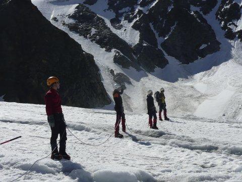 Sturzuebung am Gletscher 2