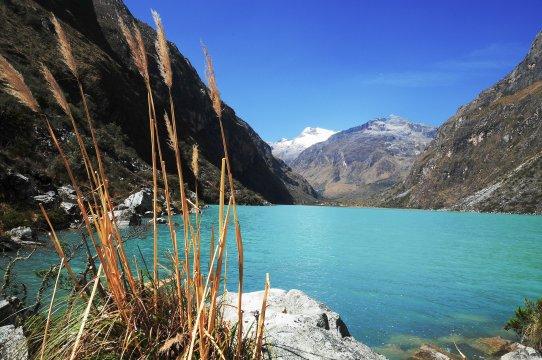 Schöne Aussicht auf Llanganuco-See