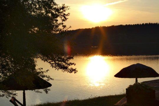 Sonnenuntergang am Zyzdroj-See