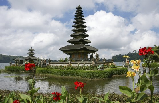 Bali Bergsee Danau Bratan mit Seetempel_2