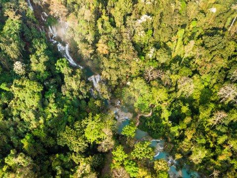 Kuang Sy Wasserfall von oben