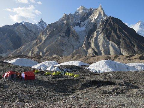 Marble Peak und Lager am Concordiaplatz