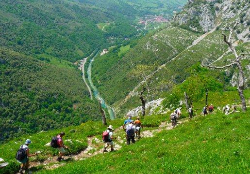 Spanien-Picos-de-Europa-Descent-to-Arenas-de-Cabrales