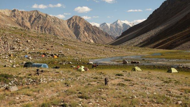 Camp Kavk im Andaravj-Tal