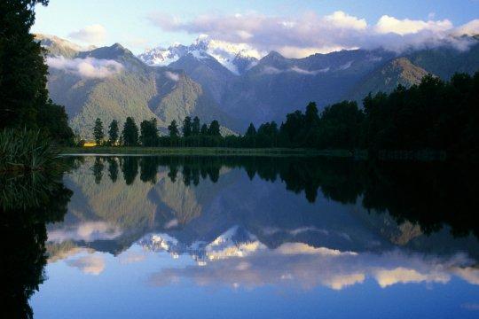 Bergspiegelung im See