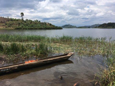 Uganda-Nördliches-Ufer-des-Lake-Mutanda