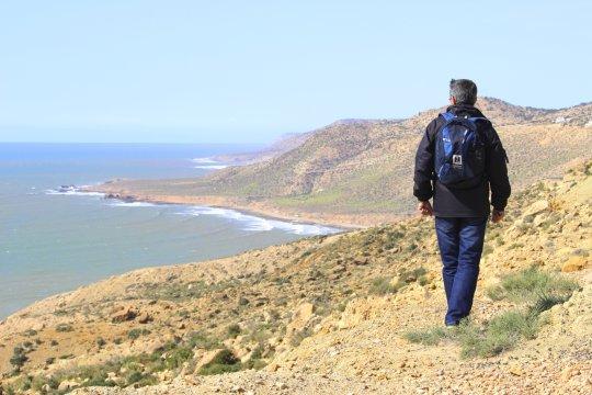Marokko Wanderer am Atlantik nahe Immesouane_2