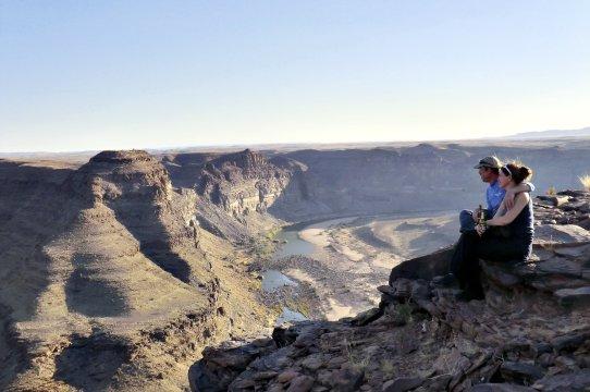 Paar blick in den Canyon