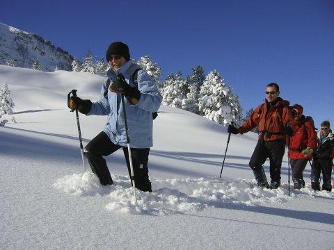 Spass_im_Schnee_mit_SchneeschuhenSchneeschuhewanderer