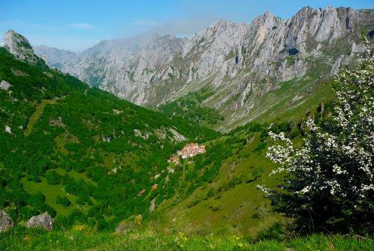 Spanien-Picos-de-Europa-Tielve-to-Sotres