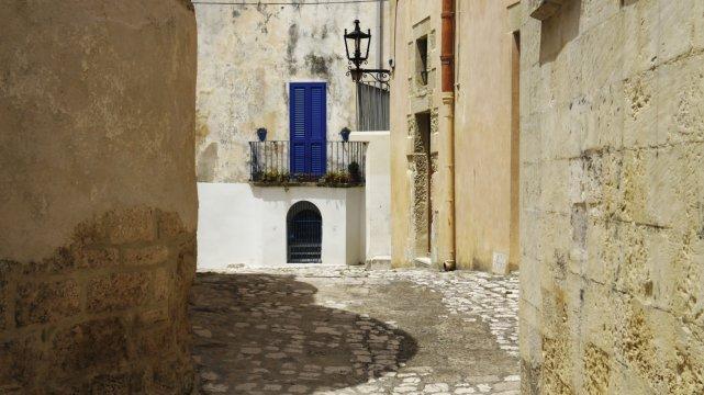Verwinkelte Gasse in Otranto