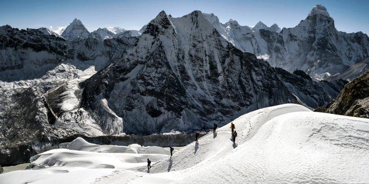 Abstieg vom Island Peak über Gletscher