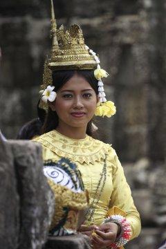 Kambodscha MTB Traditionelle Tracht_2