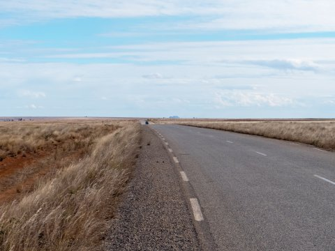Madagaskar-Strasse-in-der-Einsamkeit