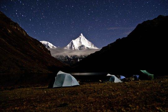 Sternenzauber am Tsophu-See