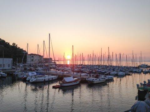 E37 Sonnenuntergang am Hafen von Muggia_2