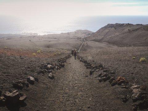Weg zu den Salinen von Teneguia