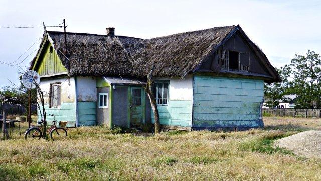 Typisches Haus mit Schilfdach