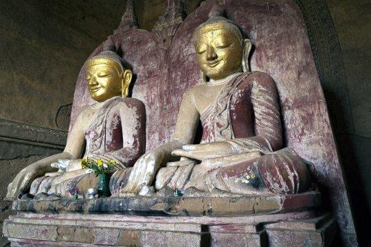Bagan Dhammayangyi Doppelbuddha_2