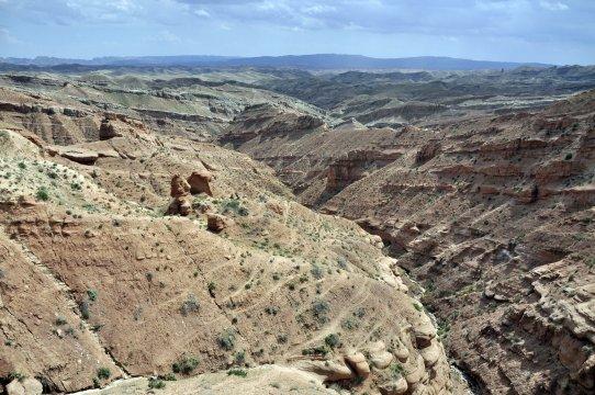Landschaft im Sueden Usbekistans_2