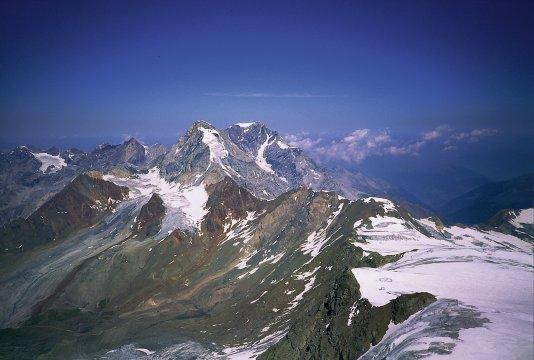 Ortlerdurchquerung, Königsspitze u. Ortler vom Gipfel des Cevedale