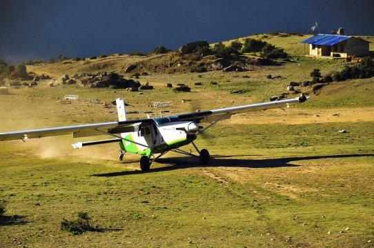 Flugzeug in Syangboche