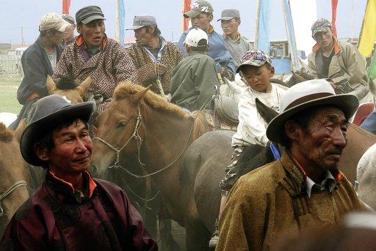 Zuschauer beim NaadamZuschauer bei Naadam 2