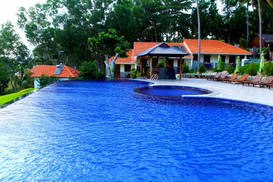 Eco Beach Resort Pool 2