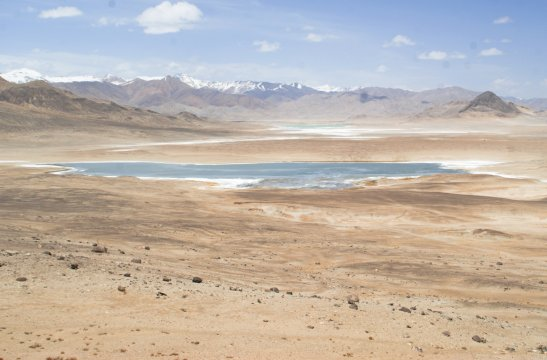 Salzsee am Pamir Highway bei Alichur