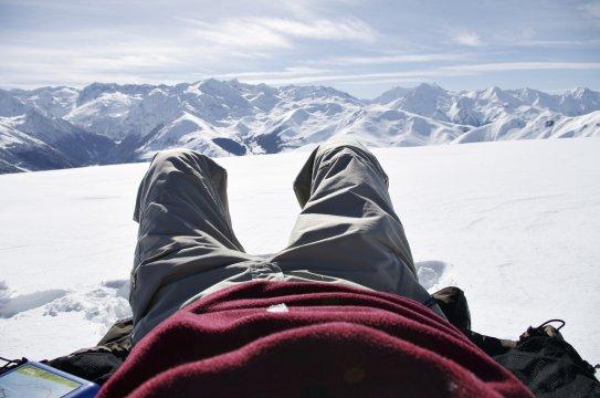 Schneeschuhwandern Pyrenaeen schoene Aussichten